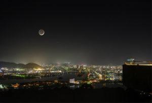 あなたの人気が上がる?ルノルマンカードの「月」が表す意味とは?